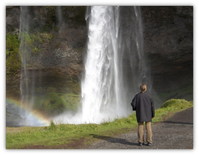 Island_1_waterfall